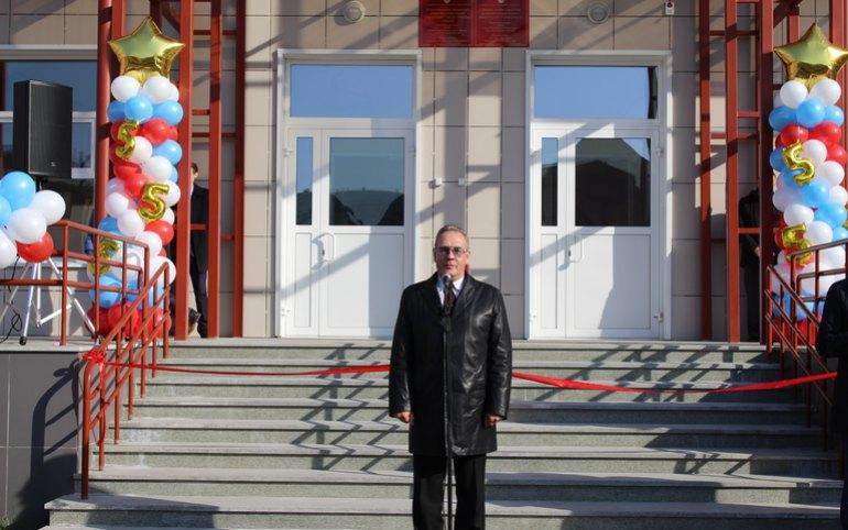 Лицей Абакана теперь носит имя народного мэра Николая Булакина