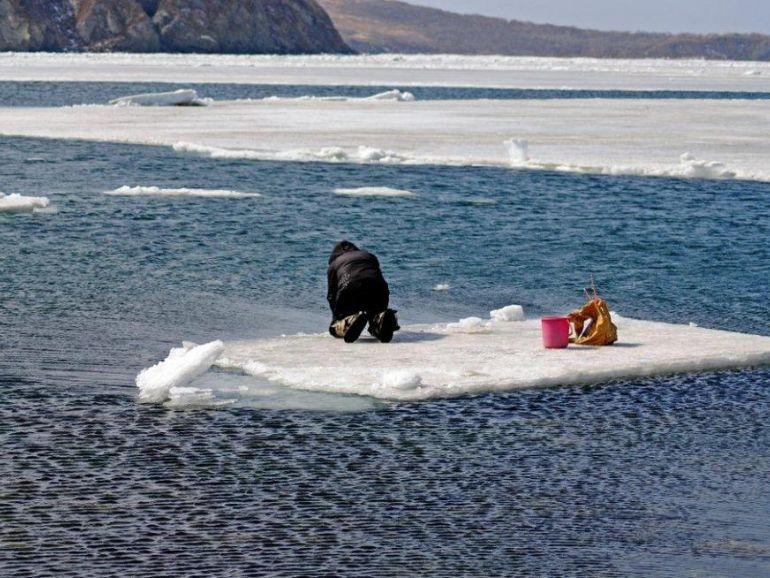 Отрыв льдины с рыбаками 2017